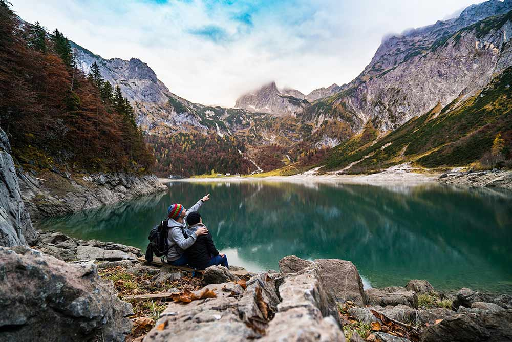 Adventurous romance - hiking in the alps