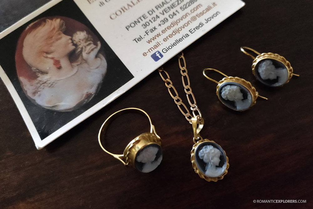 Romantic Gift Idea in Venice - Cameo Jewellery