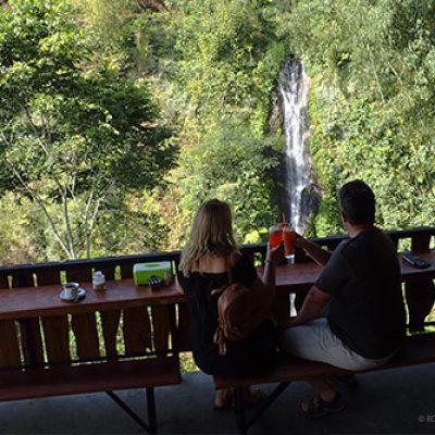 Warung & Waterfall Munduk Tutub
